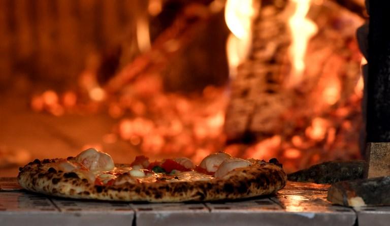 Qu'est-ce qui rend la pizza au bois meilleure?