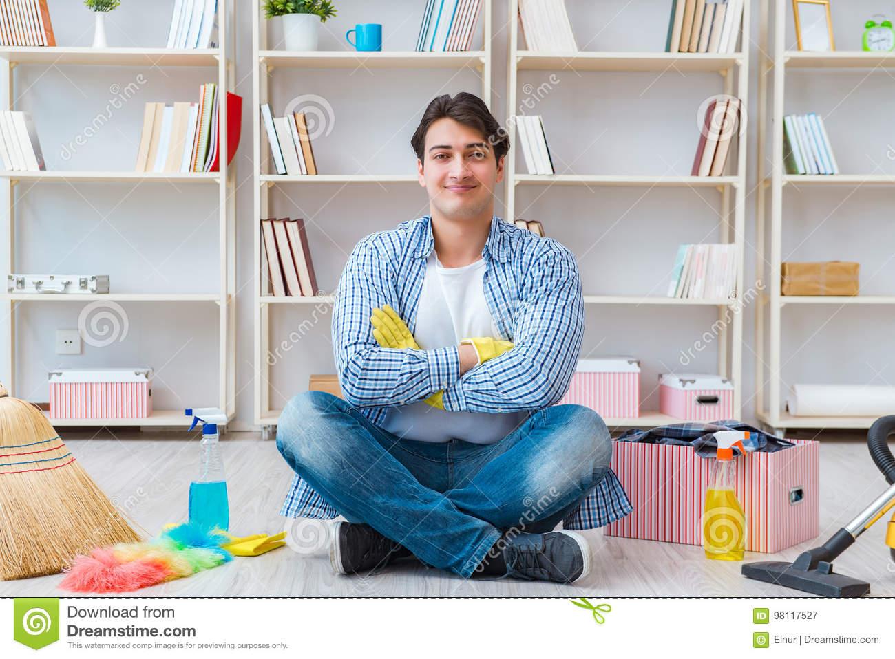 Conseils d'organisation des armoires de cuisine d'une femme de chambre